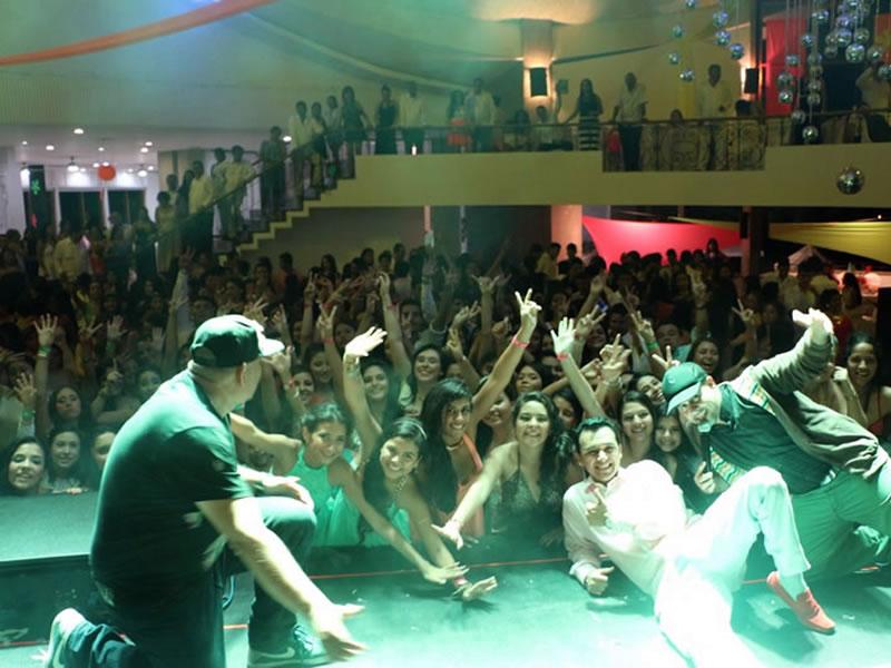 Fiesta con Maluma 2015