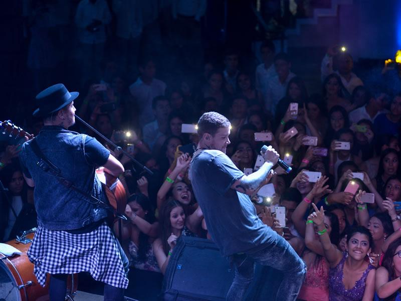 Fiesta con Piso 21 2016